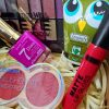 Detalle productos del pack maquillaje beauty.